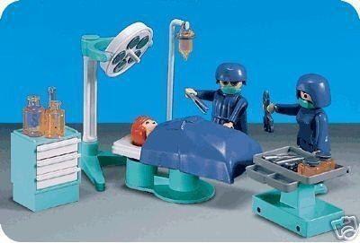 playmobil-7682-quirofano-de-hospital-ciudad-playmomex_MLM-O-3336333768_102012 (1)