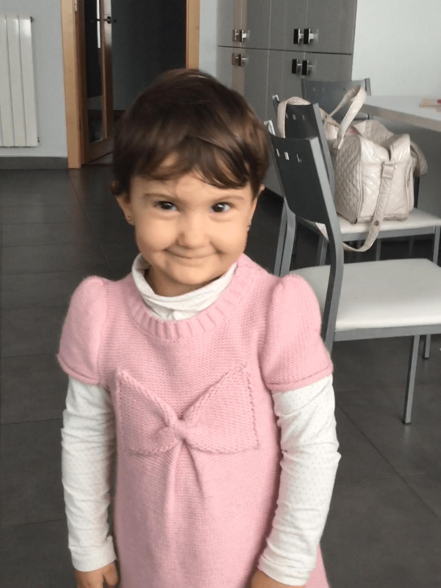 Aquí la niña más feliz del mundo y de parte del extranjero